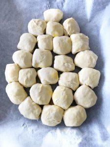 Gemakkelijk recept paasbrunch - croissantdeeg paasei maken