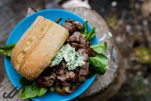 Koken op de camping - broodje biefstuk