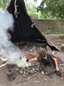 prehistorisch dorp vuur maken