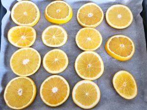 Herfstdecoratie maken gedroogde sinaasappels - oven