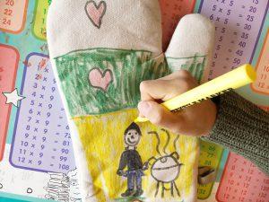 cadeau vaderdag knutselen snel ovenwanten textielstift tekenen