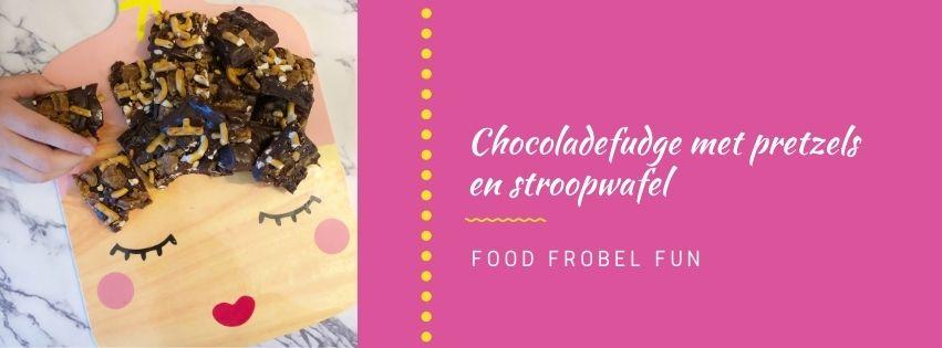 Zelf chocoladefudge met pretzels en stroopwafel maken