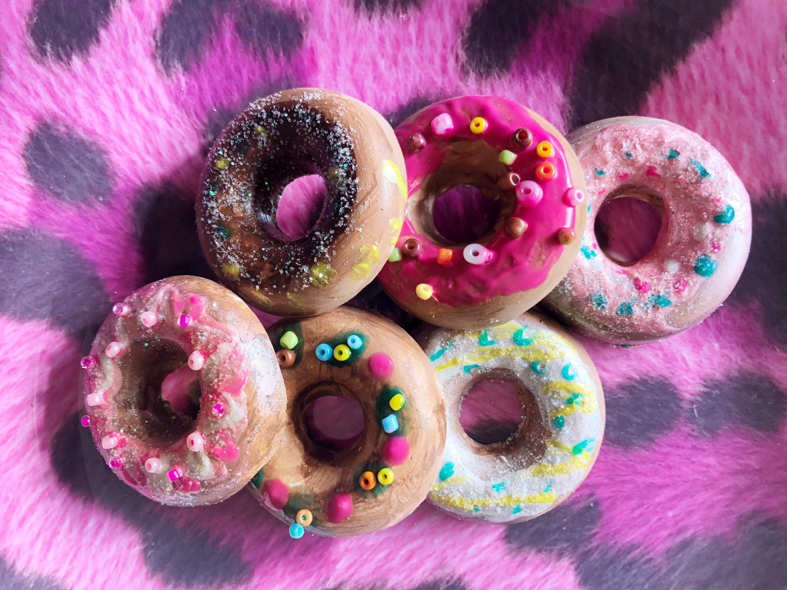 totum donuts gips versieren