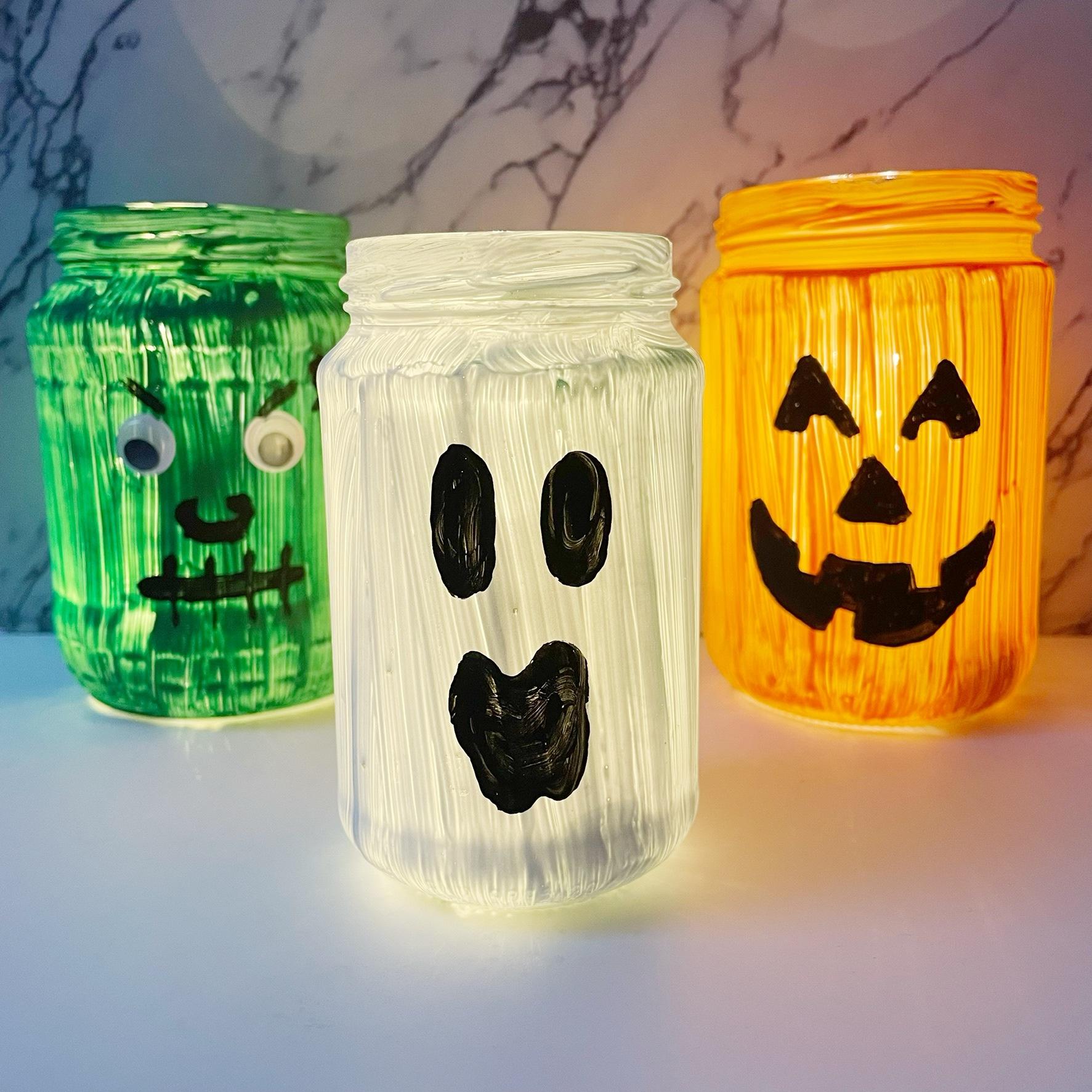 halloween decoratie knutselen, zelf griezelige windlichten maken.