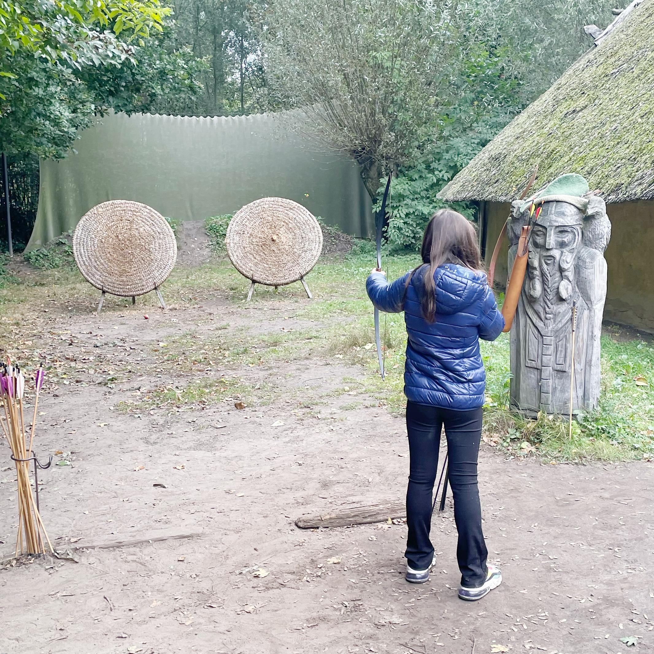 leuk uitje herfstvakantie Brabant - prehistorisch dorp.